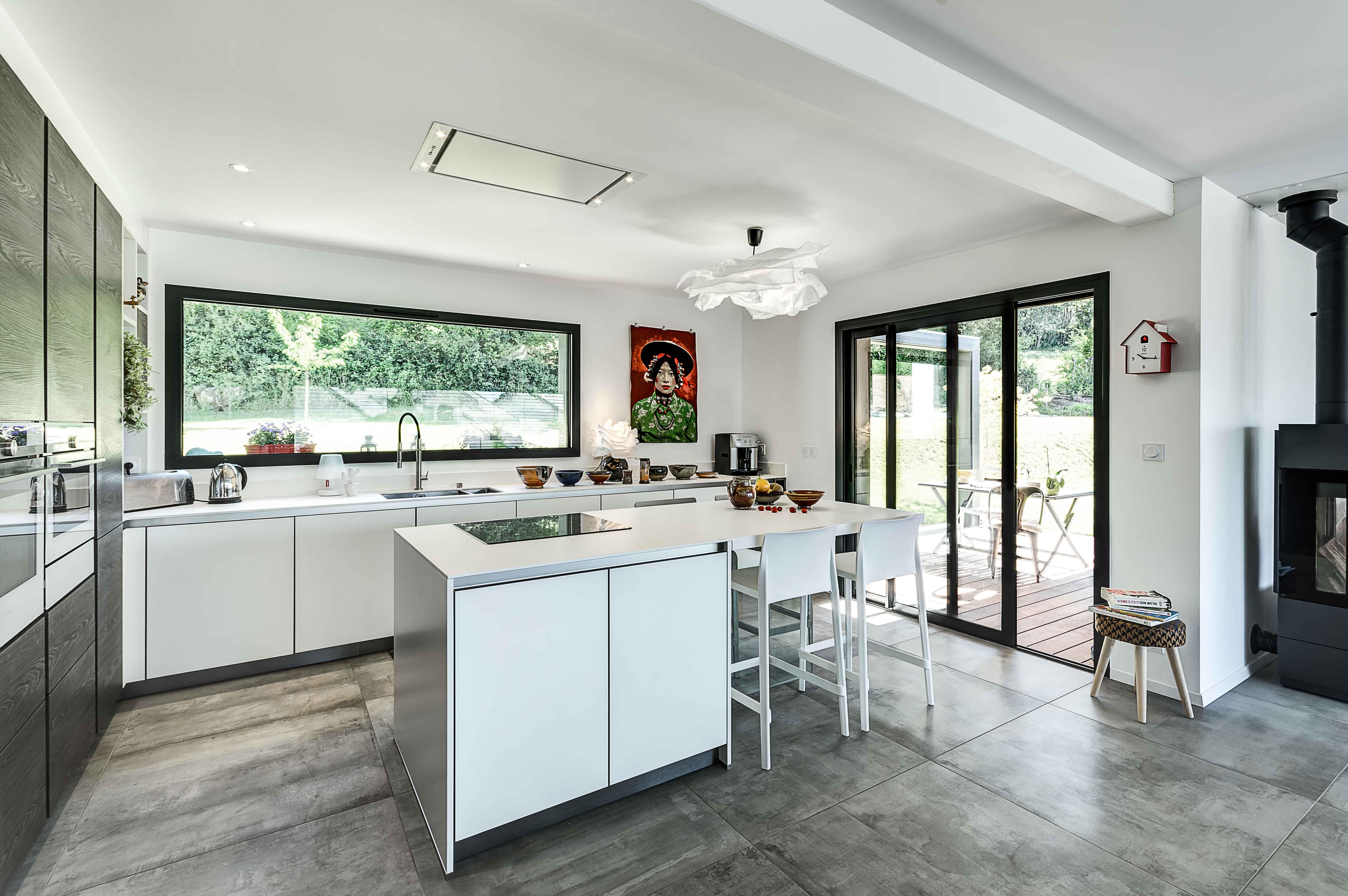 vue d'ensemble sur cuisine sur mesure unique design chic et contemporain