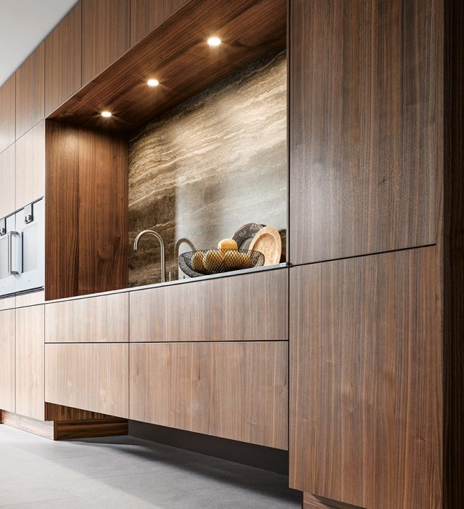 Cuisine influence vintage avec effet marbre bois inox contemporain moderne