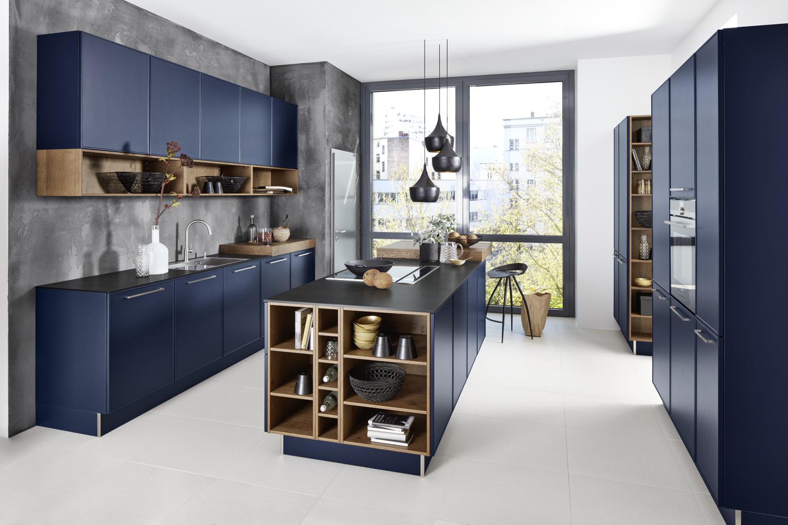 Cuisine équipée aménagée design contemporain et moderne bleue
