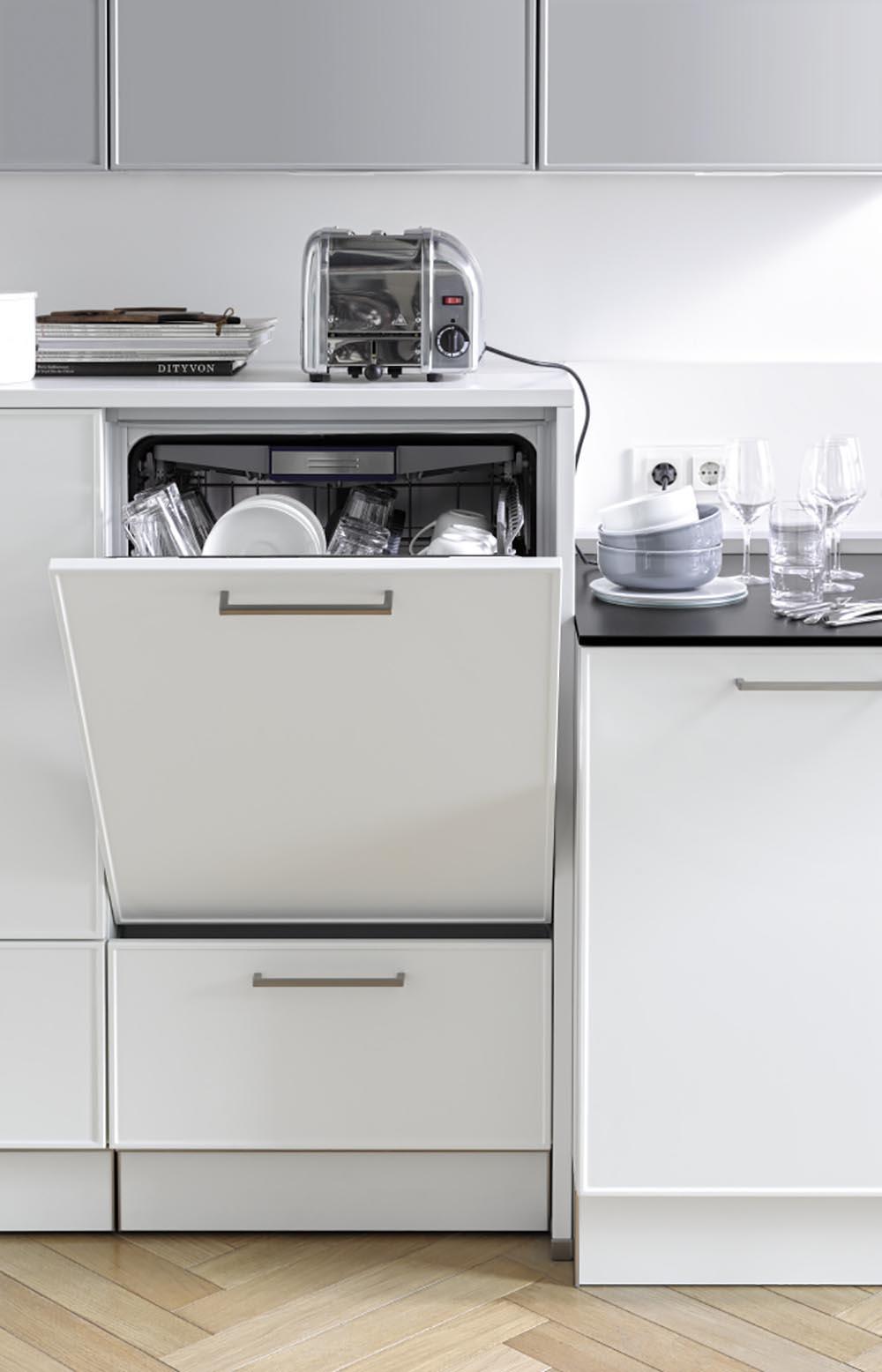 Meubles blancs pour cuisine blanc nacré ultra lumineux épuré unique sur mesure annecy argonnay littoz
