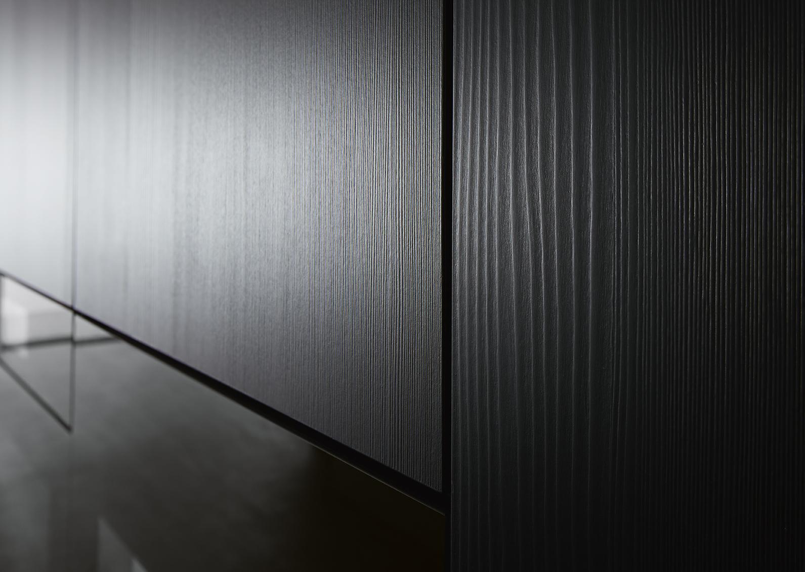meuble pour cuisine haut de gamme noire et épurée