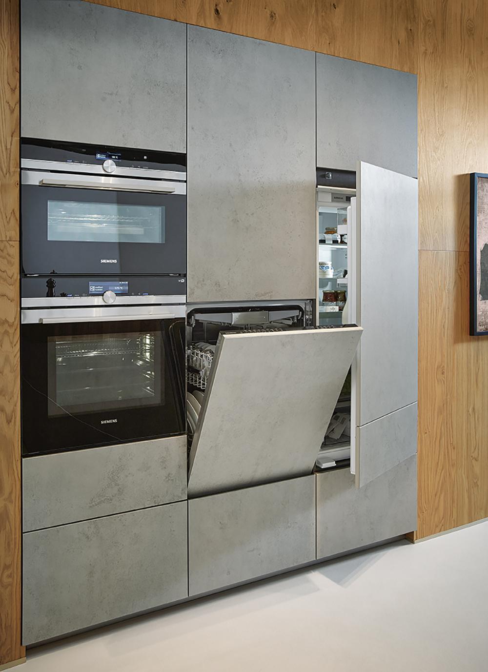 Photo cuisine équipée influence industrielle et moderne béton et bois Next 125