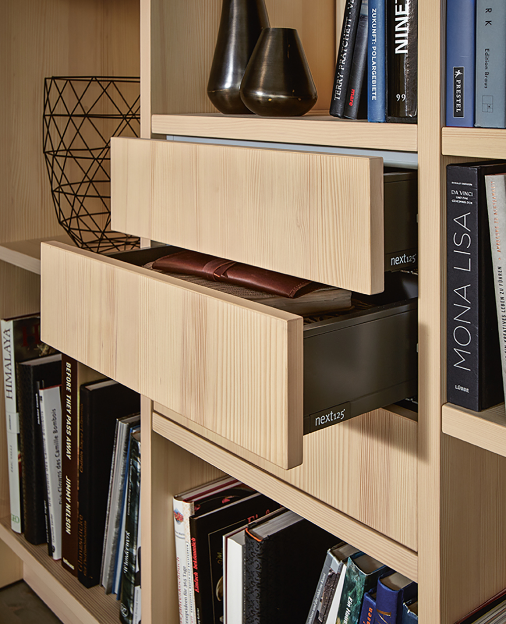 Bibliothèque ameublement et rangement next125 installé par Intérieur Littoz Annecy