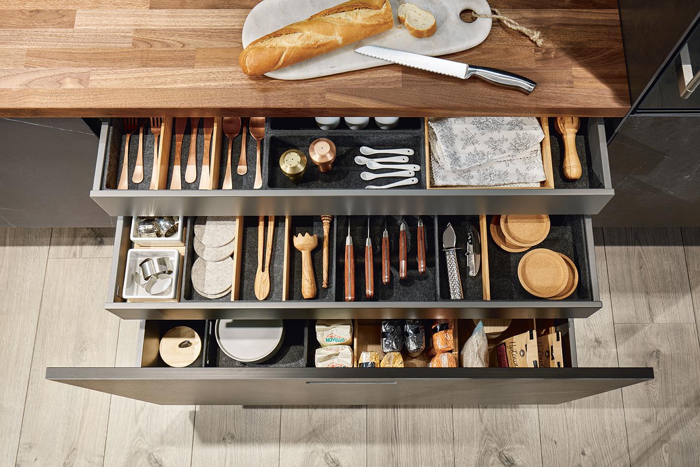 Ameublement pour cuisine Next125 rangements espace marbre noir et bois