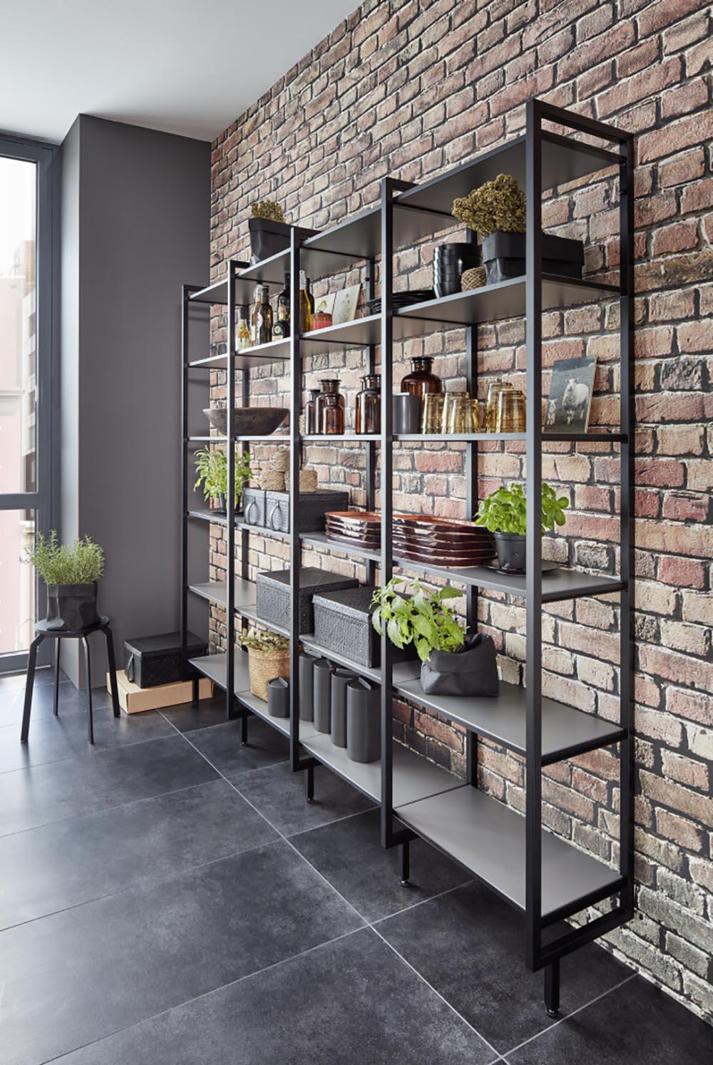 mobilier étagères ouvertes mur décoration style briques
