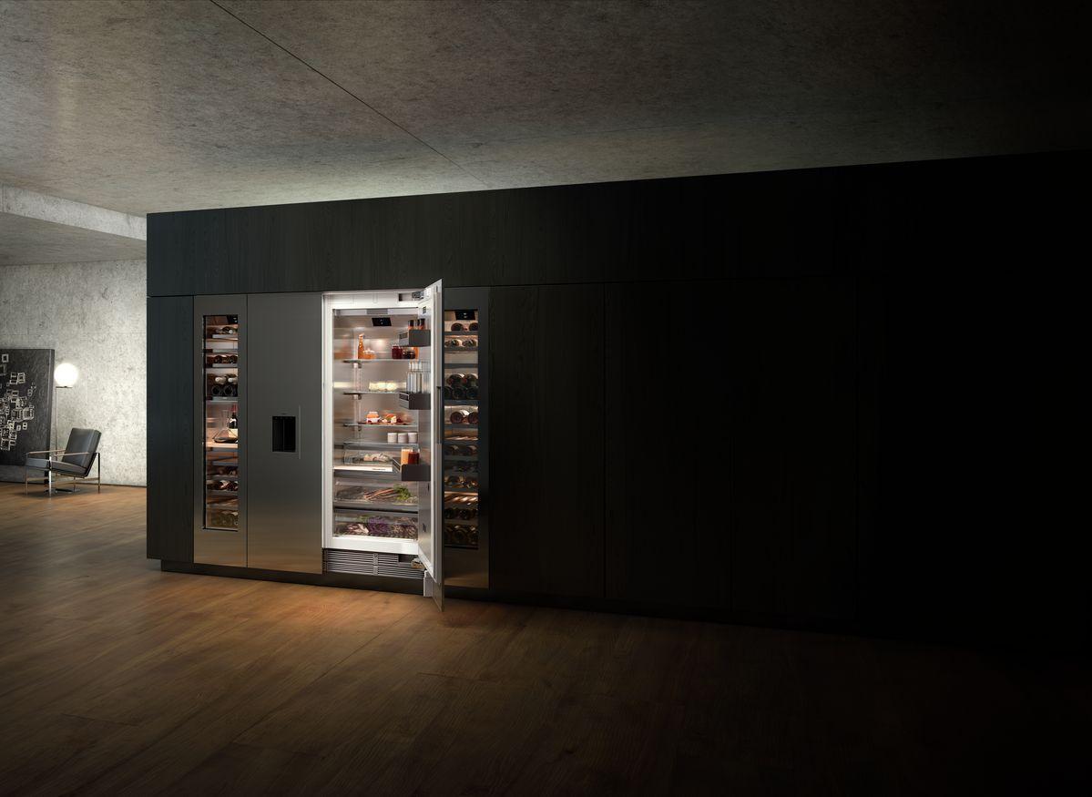 Cuisine luxueuse au design très moderne sur Annecy matériaux nobles