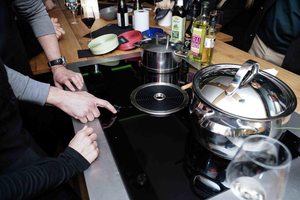 Démonstration produit gamme BORA pour tableau de cuisson pour cuisine