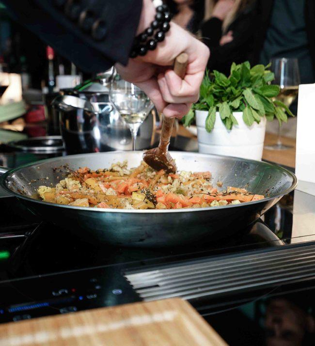 Rencontre culinaire entre Intérieur Littoz et ses clients situé autour d'Annecy