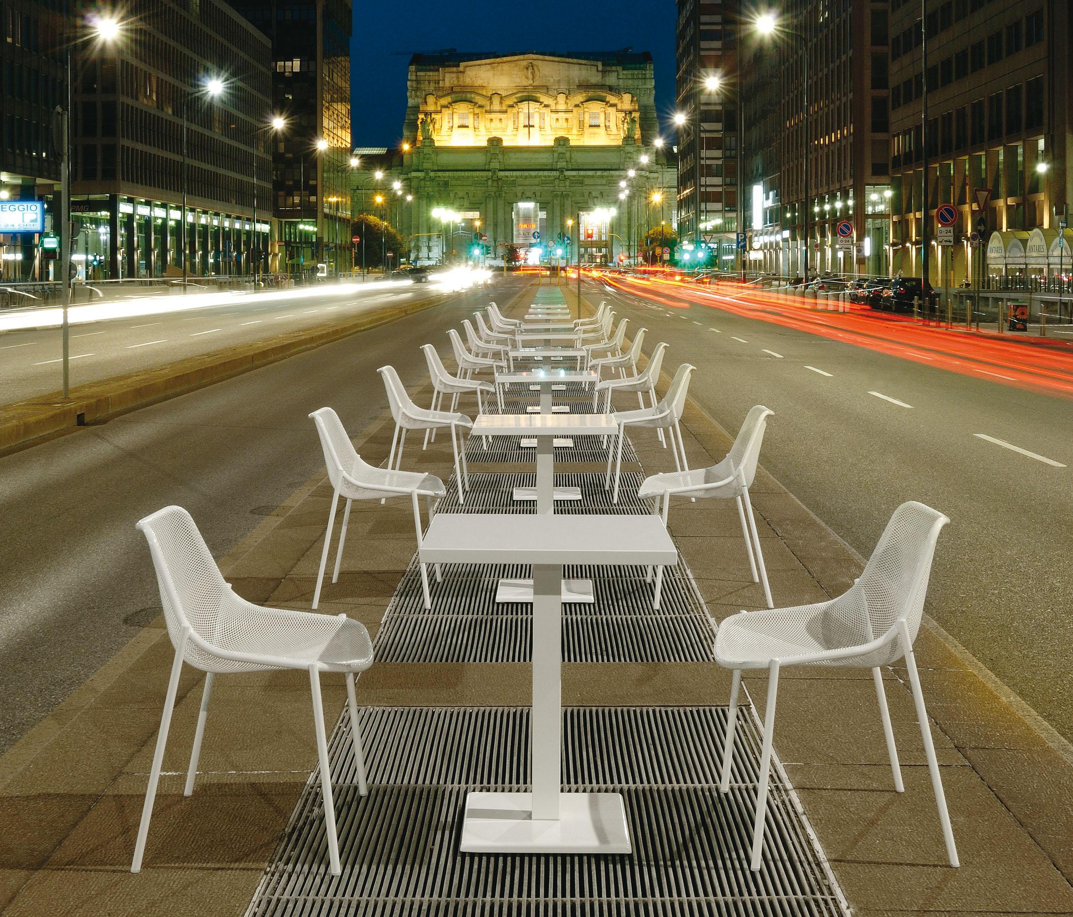 chaise et table outdoor mobilier littoz sur annecy