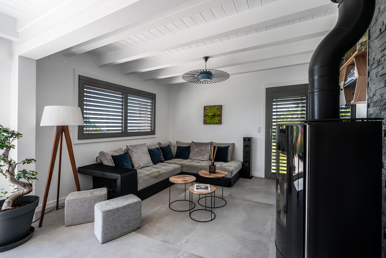 Aménagement intérieur moderne dans une villa